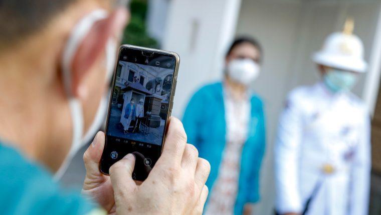 La alerta internacional por el brote del coronavirus continúa. (Foto Prensa Libre: EFE)