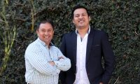 Amarini Villatoro (derecha), técnico de la Selección de Guatemala, junto a Édgar Rivas, su asistente. (Foto Prensa Libre: Carlos Vicente)