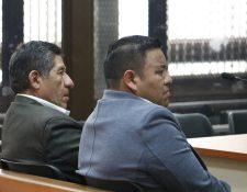 A la derecha de saco gris, Ángel Ren Guarcas y a la izquierda Pedro Raymundo Cobo. (Foto Prensa Libre: Hemeroteca PL).