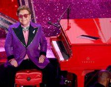 Elton John tuvo una presentación musical en la 92 ceremonia de los Óscar el pasado 9 de febrero. (Foto Prensa Libre: AFP).