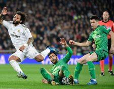 Marcelo, en una acción durante el partido entre el Madrid y la Real Sociedad. (Foto Prensa Libre: AFP)
