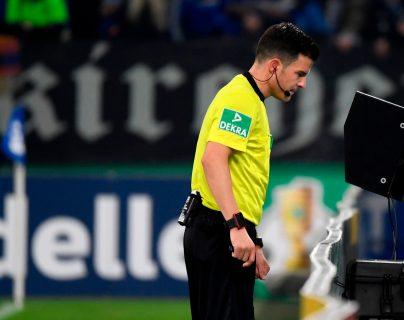 La Premier League quiere  analizar las reglas del VAR. (Foto Prensa Libre: AFP)