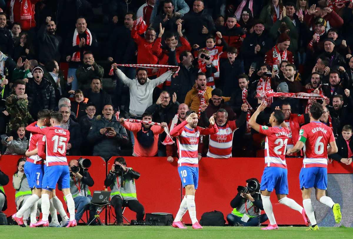 Un doblete de Soldado mete al Granada en semifinales y elimina al Valencia