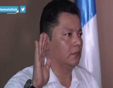 El abogado Luis Chen fue juramentado como nuevo gobernador del departamento de Escuintla. (Foto Prensa Libre: Gobierno de Guatemala)