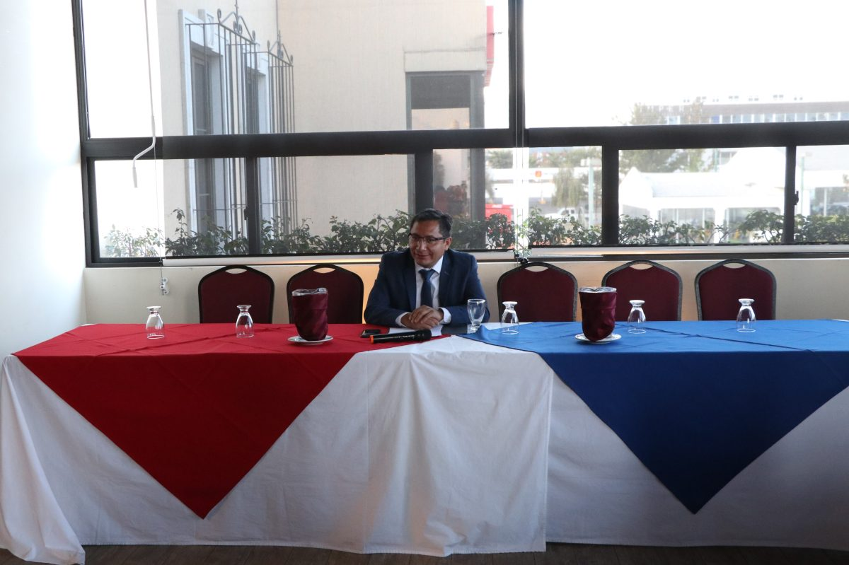 Solo uno de los seis candidatos a gobernador asiste a foro organizado en Quetzaltenango