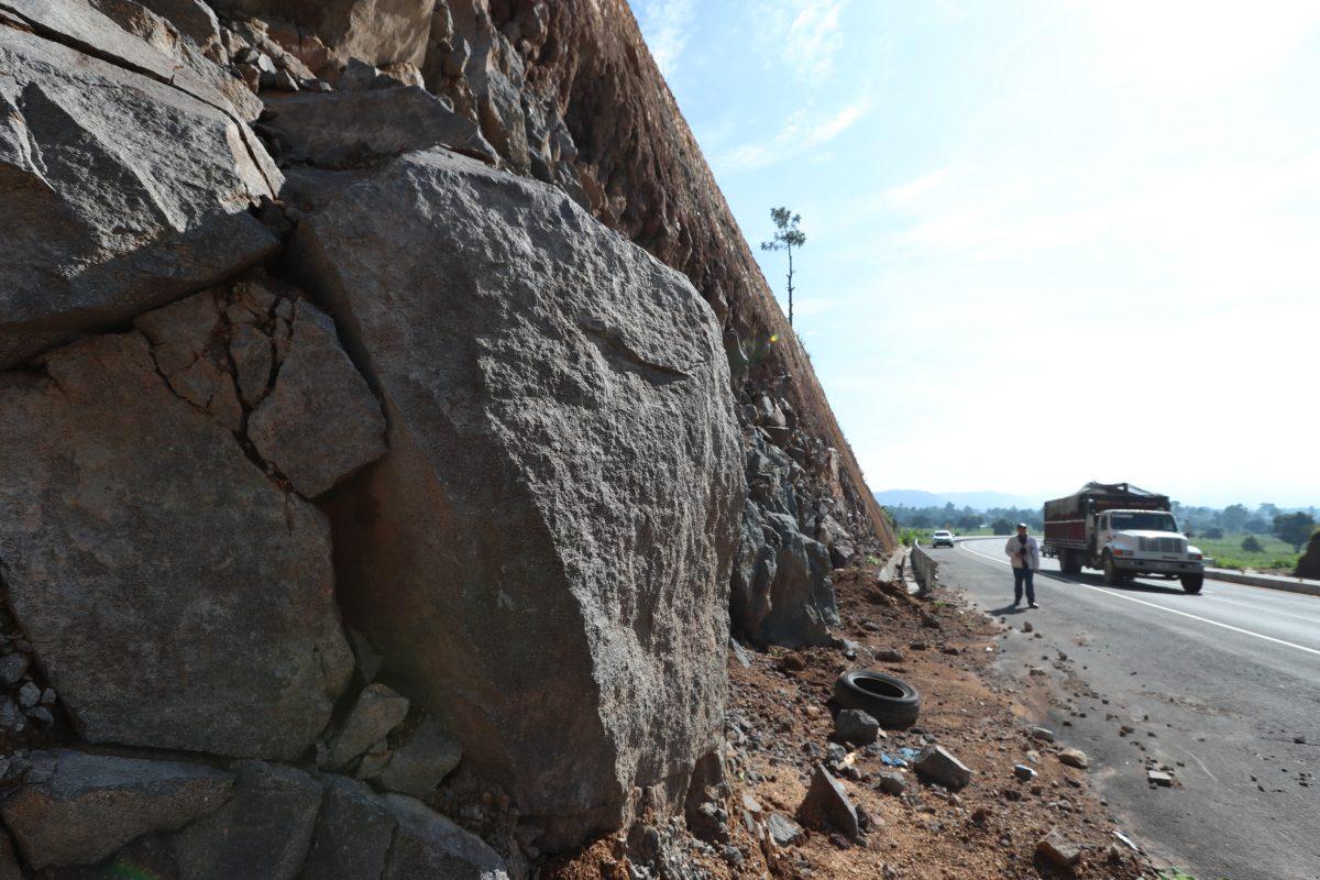 Preocupa formación de cavernas en el Libramiento de Chimaltenango donde se temen tragedias