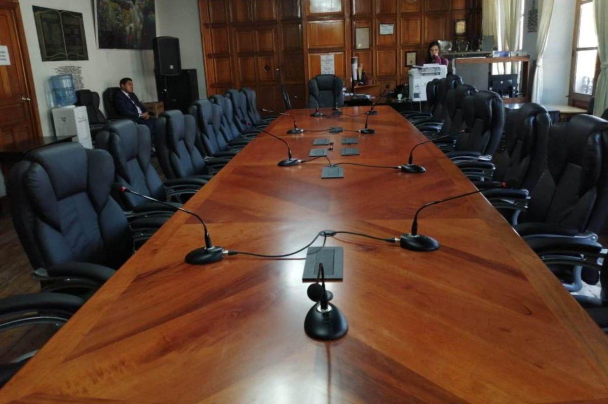 Conozca las características del nuevo mobiliario y equipo de sonido que compró el Concejo