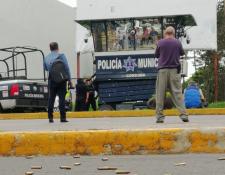 Trece personas han muerto durante ataques armados en México.