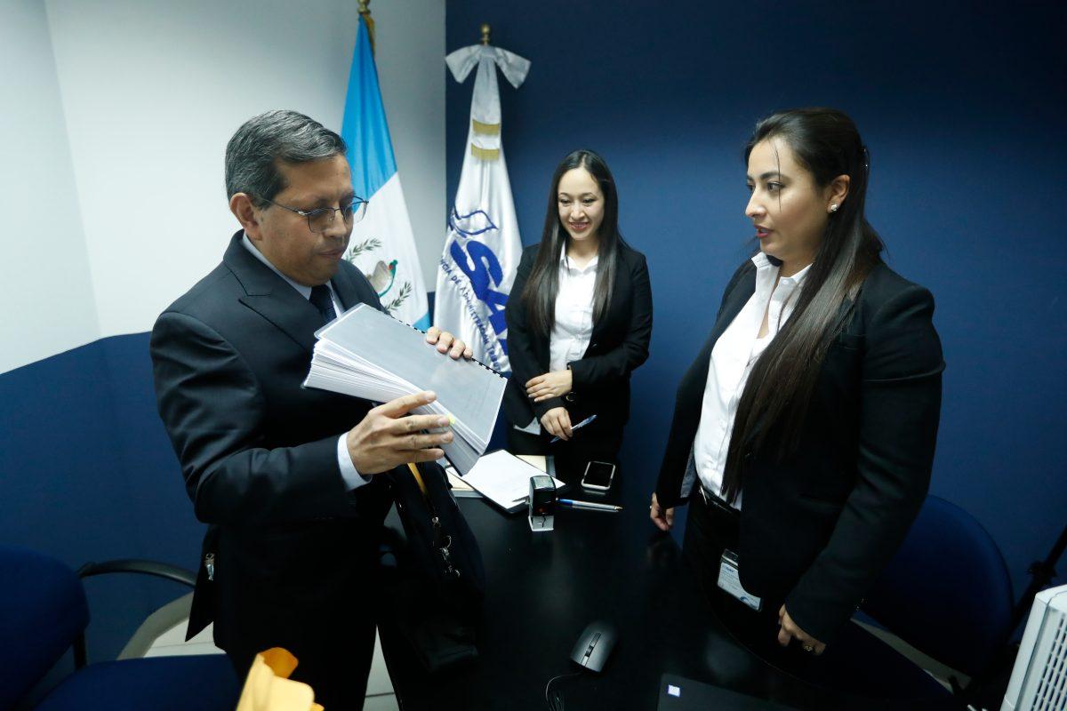 Estos son los 38 guatemaltecos que aspiran a dirigir la SAT