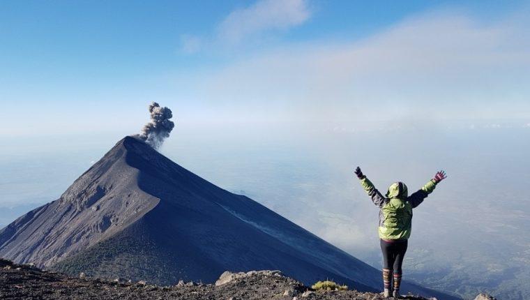 Escalar volcanes está asociado a alcanzar el éxito por los obstáculos que se presentan en el camino. (Foto Prensa Libre: cortesía Gabriela de Rivera).