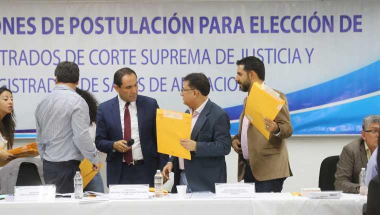 La Comisión de Postulación para la elección de magistrados de salas de Apelaciones empezará a votar el próximo lunes para integrar nomina de 270 profesionales. (Foto Prensa Libre: Hemeroteca PL)