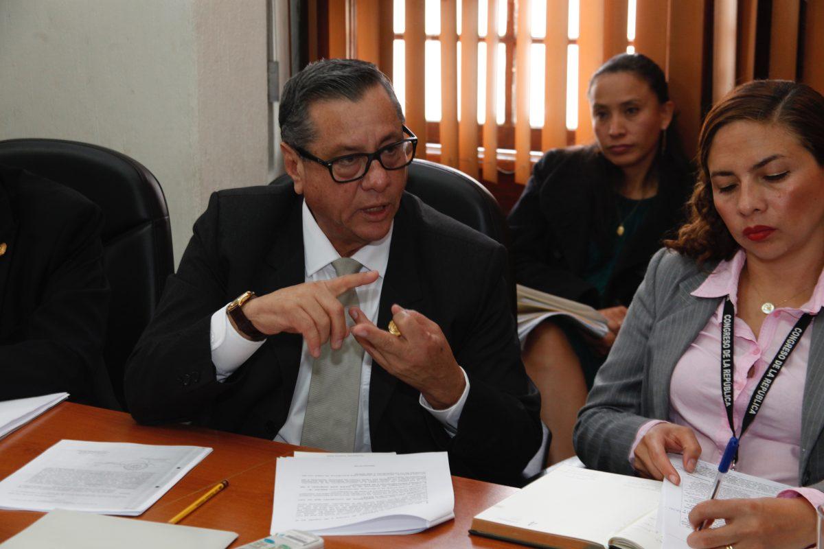 Los 10 círculos familiares que trabajaban en la SAAS durante el gobierno de Jimmy Morales