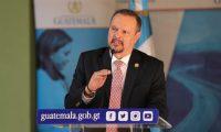 Carlos Enrique Soto Menegazzo, ministro de salud, da declaraciones despuŽs de reuni—n de gabinete.  Fotograf'a. Erick Avila:               26/08/2019