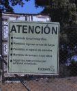 La propiedad donde se ubica la camaronera Cooperla es propiedad del Estado, cedida a través de la Ocret en un área continua a la playa de Sipacate, Escuintla. (Foto Prensa Libre: Juan Diego González)