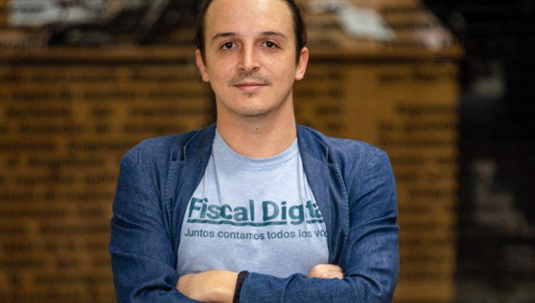 """Carlos Toriello, logró alcanzar el premio anual por Valentía 2020, el """"Annual Achievement Award On Courage"""", con el proyecto Fiscal Digital. (Foto Prensa Libre: Juan Diego González)"""