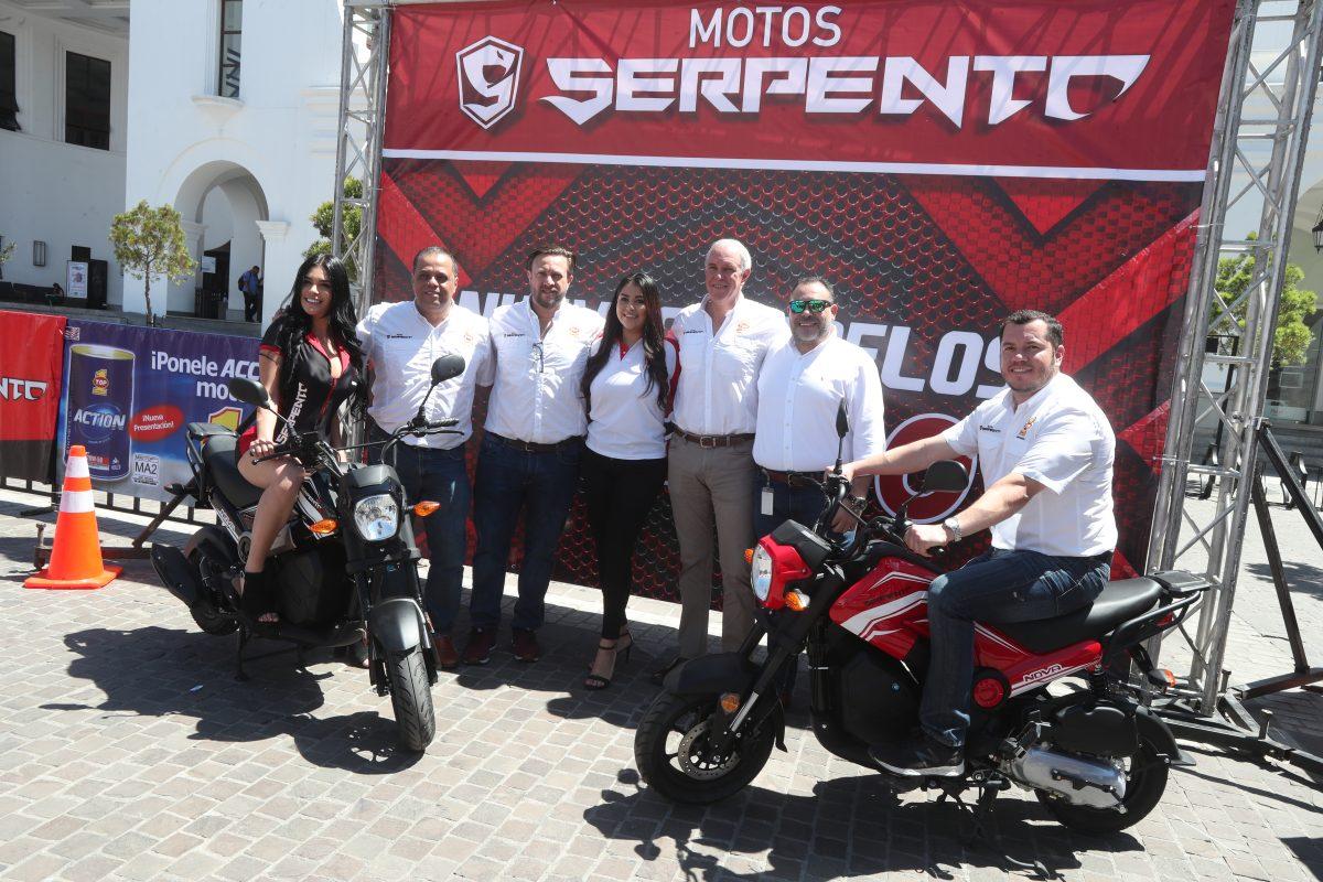 El Gallo más Gallo lanza la nueva motocicleta Nova de la marca Serpento