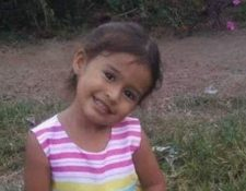 Karle Rosmery Mazariegos Ardón, de 3 años, murió ahogada, según la necropsia practicada por médicos del Inacif. (Foto Prensa Libre: Cortesía Alfa TV Jalapa)