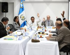 Reunión de la Comisión de Postulación para magistrados del TSE. (Foto Prensa Libre: Hemeroteca PL)