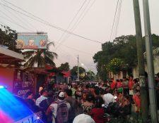 El ataque se registró en una cevichería del barrio Monterrey,  zona 4 de Retalhuleu. (Foto Prensa Libre: Rolando Miranda)