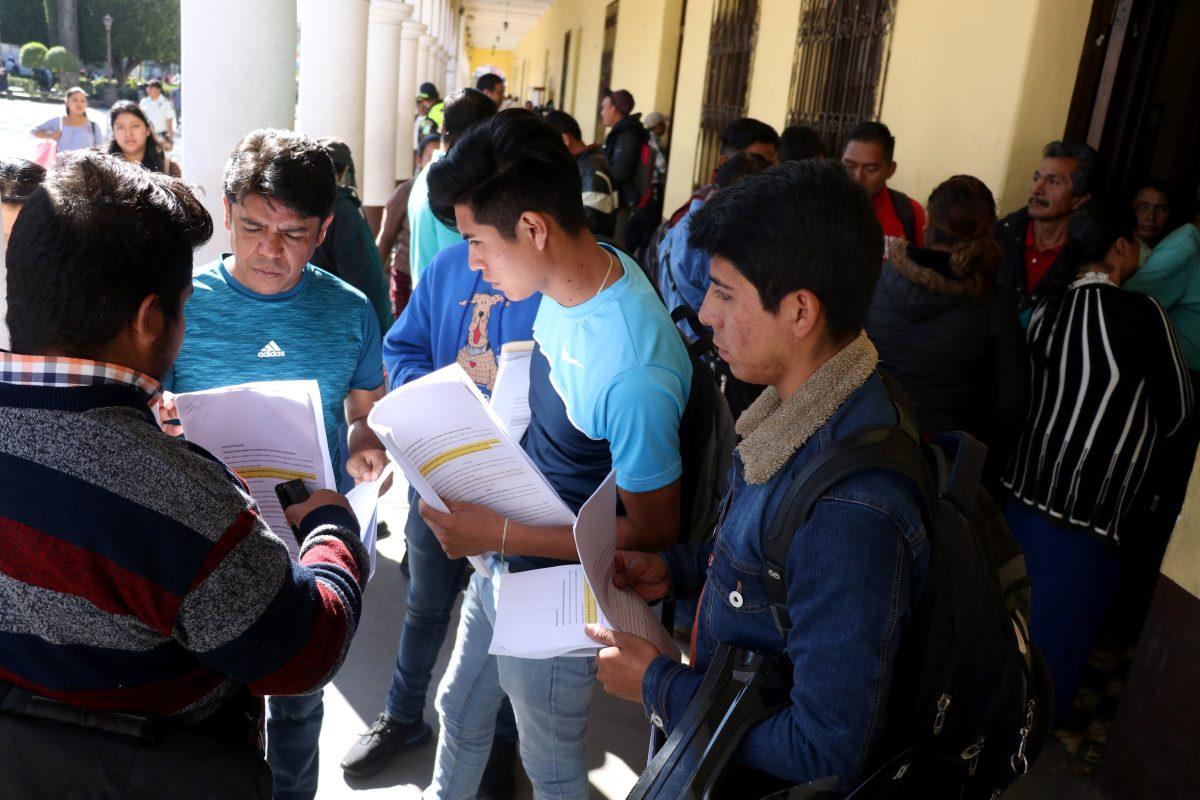 Denuncian a exalcalde de Huehuetenango por supuestamente haber firmado 130 contratos irregulares