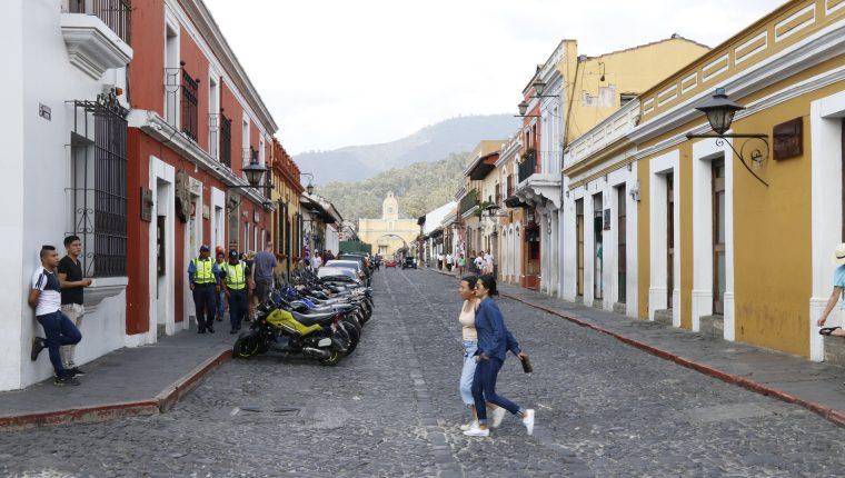 El sector turismo y el ingreso de remesas familiares afectará la economía de los países Centroamericanos en el 2020 por el covid-19, estimó la Cepal. (Foto Prensa Libre: Hemeroteca)