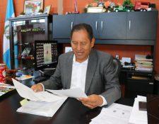 Francisco Pérez Reyes, alcalde de Santa Cruz del Quiché, explicó que resolución del TSE no le afecta y aseguró que continuará en el cargo. (Foto Prensa Libre: Héctor Cordero)