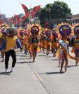 Las comparsas son los eventos más esperados durante el Carnaval Mazateco. Los desfiles recorren 3.5 kilómetros. (Foto Prensa Libre: Marvin Túnchez)