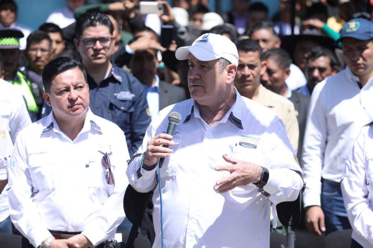 El presidente Alejandro Giammattei se despide de Quetzaltenango