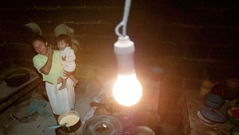 La estructura y monto del subsidio de energía ha sido modificado en varias ocasiones. (Foto, Prensa Libre: Hemeroteca PL).