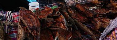 En la feria del Calvario zona 1 de Xela se pudieron observar varias ventas de carne. (Foto Prensa Libre: Raúl Juárez)