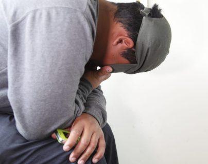 Édgar Leonel Marroquín Barrera se entregó el 16 de febrero y estaba siendo custodiado por angentes de la PNC porque amenazaba con suicidarse. (Foto Prensa Libre: Noé Medina)