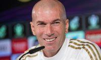 GRAF4928 MADRID, 05/02/2020.- El entrenador del Real Madrid, Zinedine Zidane, durante la rueda de prensa que ofreció tras el entrenamiento del Real Madrid en la Ciudad Deportiva de Valdebebas, previo al partido de Copa del Rey que disputan mañana contra la Real Sociedad en el estadio Santiago Bernabeu. EFE/Rodrigo Jiménez.