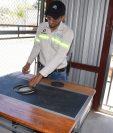 Con el uso de estufas ahorradoras de leña se contribuye en la conservación de los bosques. (Foto Prensa Libre: Wilder López)