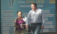 Imagen proporcionada por el MP que muestra a Gustavo Alejos afuera del hospital de la zona 2 y sin custodia de seguridad.