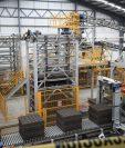 La planta de Blocasa en Amatitlán es automatizada y tiene una capacidad para producir cuatro millones de blocks mensuales. (Foto Prensa Libre: Carlos Hernández Ovalle)