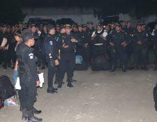 Todos los agentes que estaban asignados a la subestación de Morales, Izabal, fueron removidos en busca de mejorar la seguridad en el pueblo. (Foto Prensa Libre: César Hernández)
