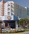 Imagen que muestra la entrada del hotel y casino Miccosukee, del Condado Miami. (Foto Prensa Libre: Google Street)