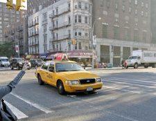 En Nueva York los taxitas tienen miedo de contagiarse con el coronavirus, por lo que optaron por no subir a sus vehículos a usuarios asiáticos. (Foto Prensa Libre: Hemeroteca PL)