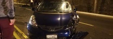 Un vehículo y una motocicleta chocan en el Anillo Periférico. El piloto de la moto murió. (Foto Prensa Libre: Óscar Sánchez)