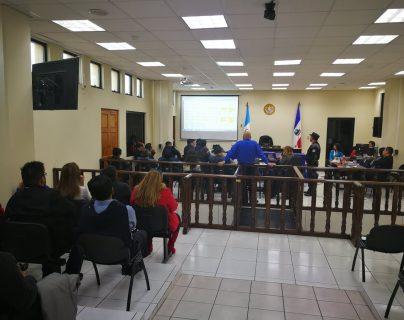 Fiscalía Especial contra la Impunidad presentó un recurso de apelación para reabrir el caso corrupción Xela que involucra al exalcalde Mito Barrientos, su Concejo y empresarios. (Foto Prensa Libre)
