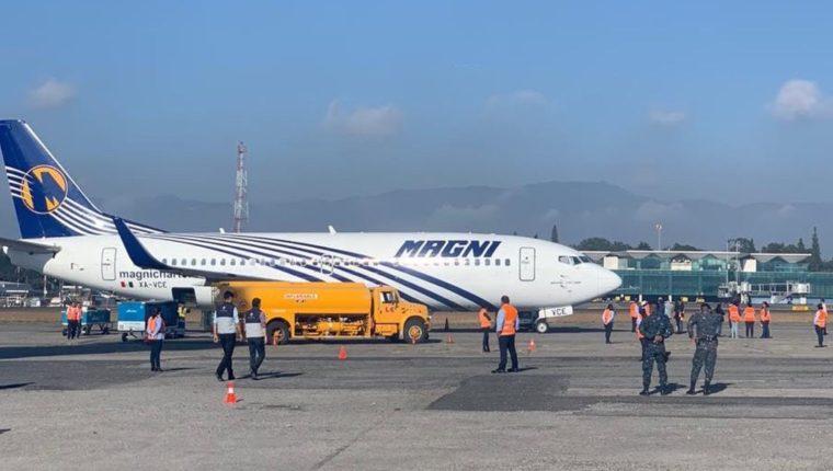 El primer vuelo con deportados de México arribó a eso de las 8 de la mañana de este miércoles 5 de febrero. (Foto: Cortesía)
