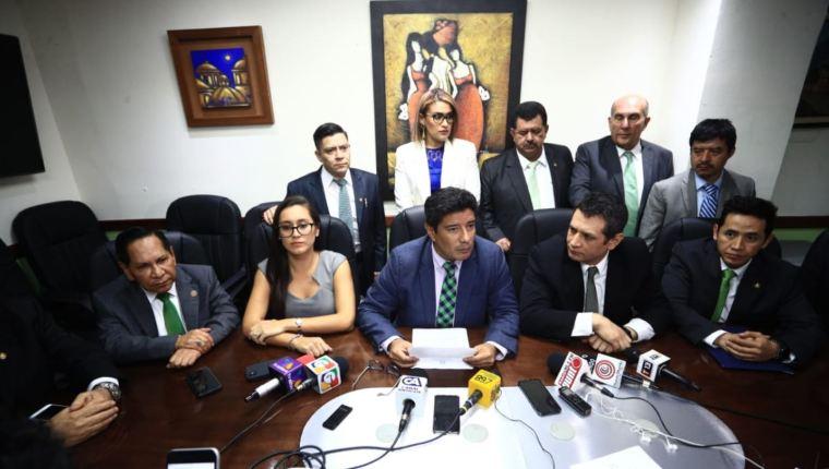 Diputados de la UNE solicitaron la expulsión de Sandra Torres de esa agrupación política. (Foto Prensa Libre: HemerotecaPL)