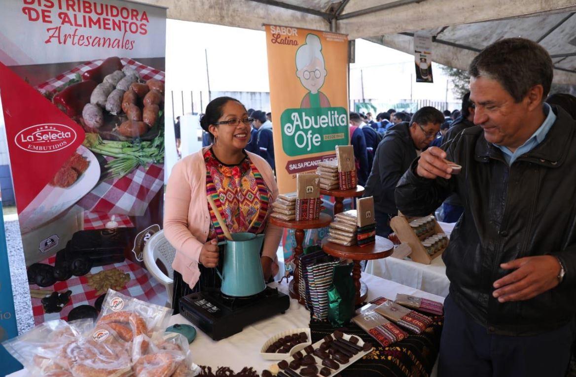 Gobierno entregará Q20 millones a pequeños empresarios de Quetzaltenango