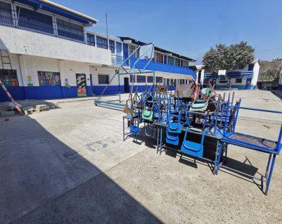 La escuela lucía desolada este jueves. (Foto Prensa Libre: María Reneé Gaytán).