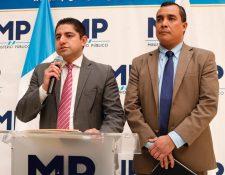 Stuardo Campo, Jefe de la Fiscalía Contra la Corrupción; y Nilsón Castillo, fiscal adjunto. (Foto Prensa Libre: Fernando Cabrera).