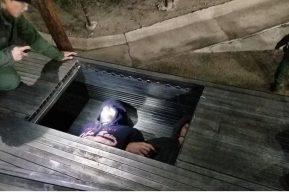 Patrulla Fronteriza de EE. UU. captura a migrantes (entre ellos guatemaltecos) ocultos en camión