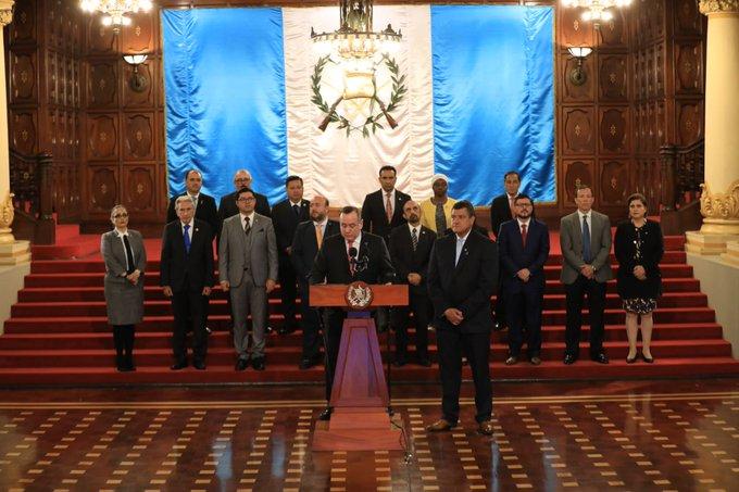Alejandro Giammattei sanciona Ley de ONG aduciendo que es necesario fiscalizarlas