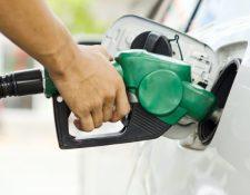 Se prevé que el galón de gasolina debe bajar entre Q2 y Q3 en los próximos días porque la expectativa es que la tendencia a la baja continuará. (Foto Prensa Libre: Shutterstock)