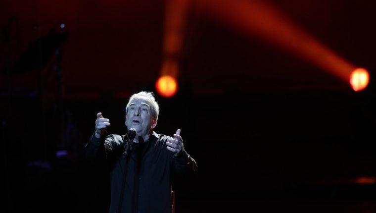 José Luis Perales cantó para los guatemaltecos en el Centro Cultural Miguel Ángel Asturias. (Foto Prensa Libre: Keneth Cruz)