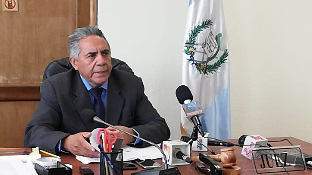 Juez de Xela rechaza señalamiento de la Feci de haberse reunido con Gustavo Alejos